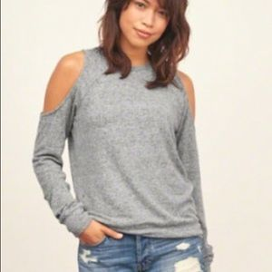 Abercrombie & Fitch Gray Cold Shoulder Shirt